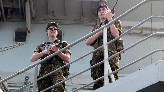 VK haalt patrouilleschepen terug vanwege migranten in het Kanaal