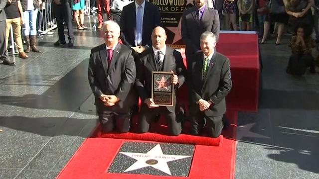 The Rock onthult ster op Walk of Fame