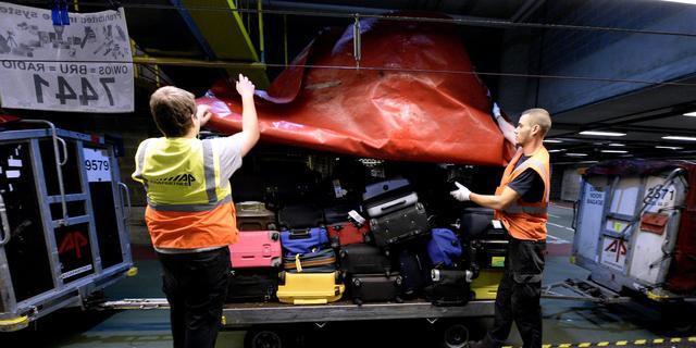 Personeel afhandelaar Aviapartner houdt korte werkonderbreking op Schiphol
