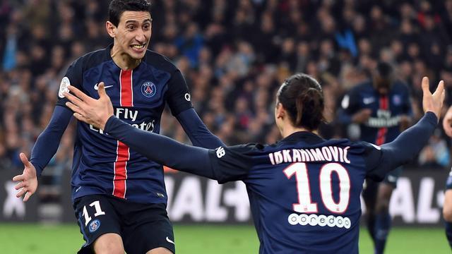 PSG boekt vijftiende zege op rij, Strootman ziet Roma winnen