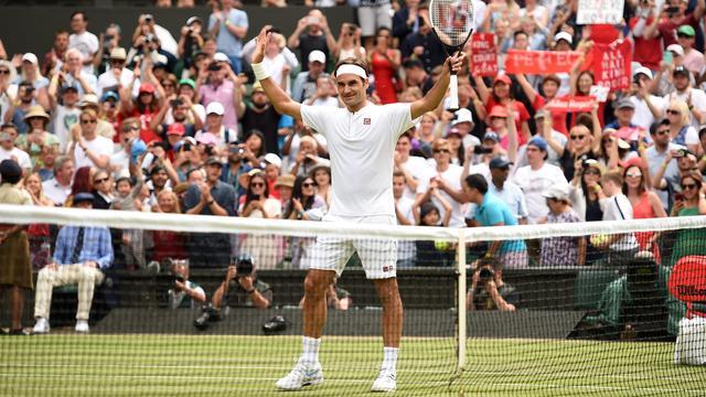 Federer naar derde ronde Wimbledon, Wozniacki verrassend ten onder