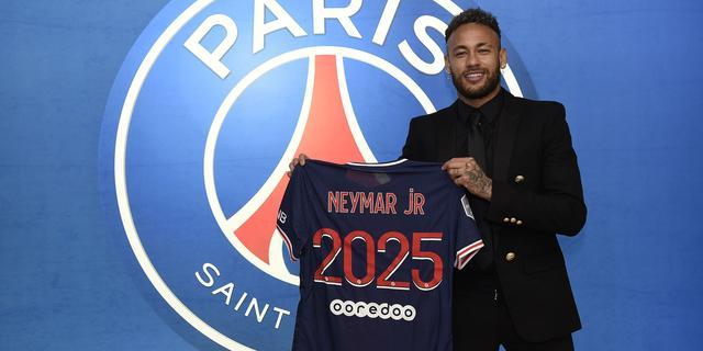 Neymar verlengt contract bij PSG tot medio 2025: 'Ik ben hier gelukkig'