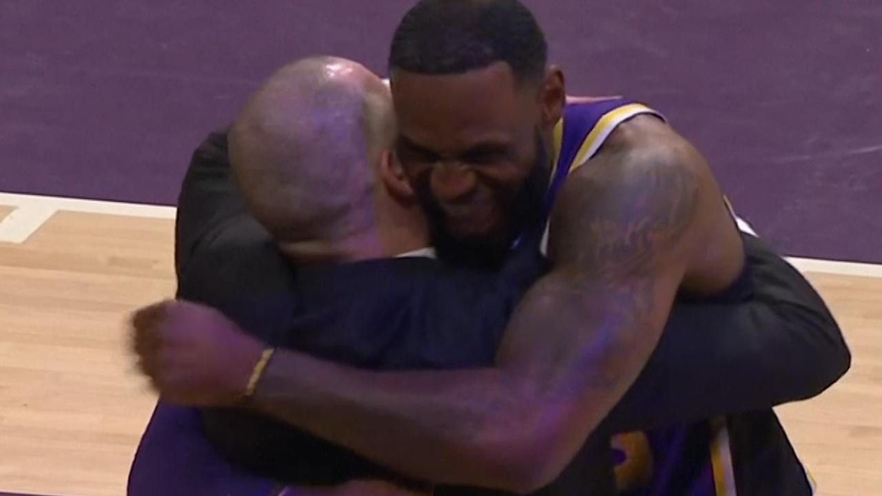 LeBron James passeert Michael Jordan op topscorerslijst NBA
