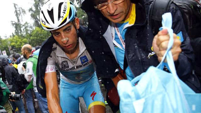 Strijdbare Aru wijt tijdverlies in Giro aan hongerklop