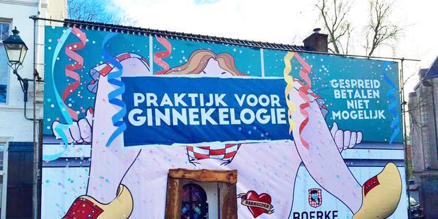 Boerke Verschuren scoort internethit met carnavalsgevel