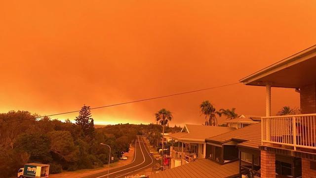 Oostelijke staten Australië roepen noodtoestand uit om bosbranden