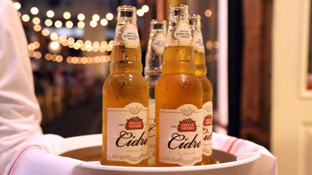 Stella Artois roept bierflesjes terug omdat er mogelijk glas in zit