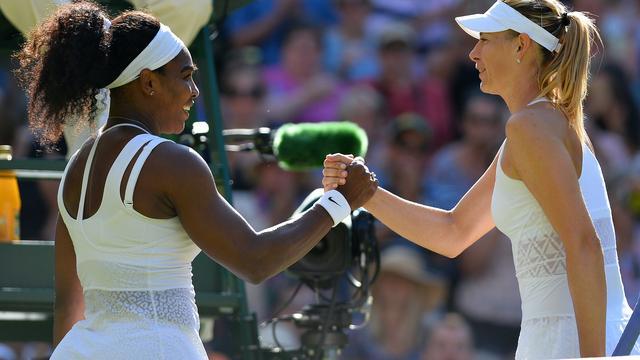 Williams bereikt achtste Wimbledon-finale door zege op Sjarapova