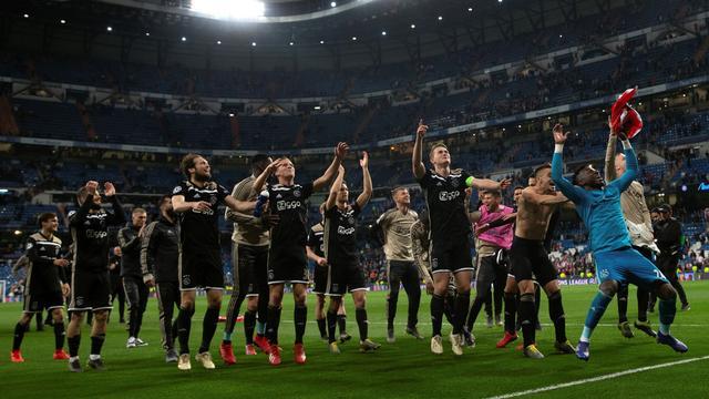 Nederland dankzij stunt Ajax dicht bij heroveren rechtstreeks CL-ticket