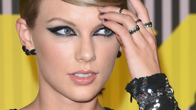 Taylor Swift wint Video van het Jaar tijdens MTV Video Music Awards