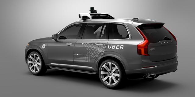 Zelfrijdende auto Uber op zijkant beland bij ongeluk