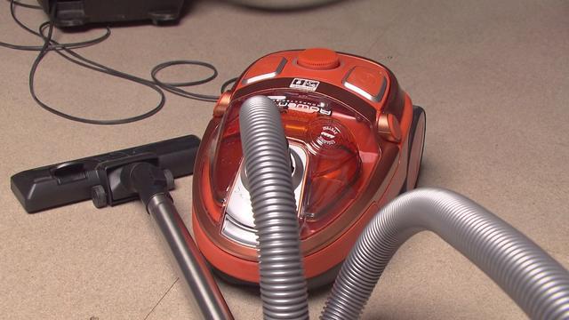 Man slaat huisgenoot met stofzuigerstang na ruzie over schoonmaaktaken