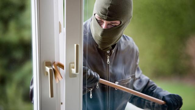 Man met inbrekerswerktuigen en GHB aangehouden