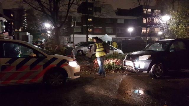 Lichaam aangetroffen in auto in Duivendrecht