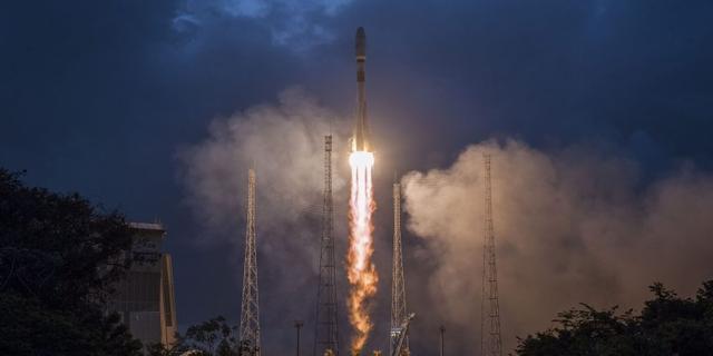 VK wil 500 miljoen pond investeren in failliet satellietbedrijf OneWeb