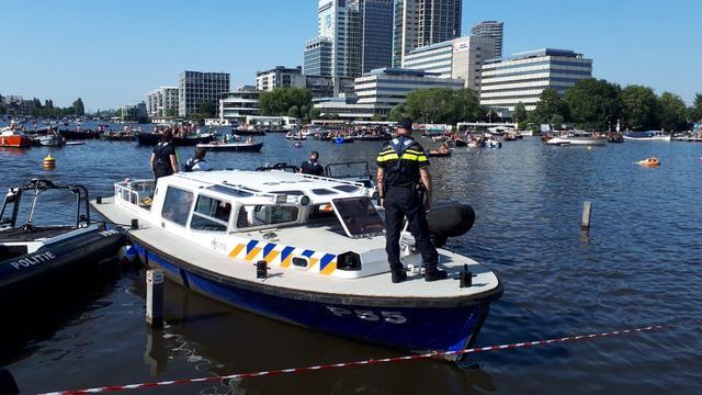 Politie vindt lichaam in water van drukbezocht park in Amsterdam