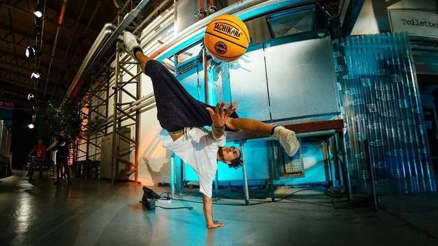 Freestylebasketballer Reemz uit Breda gaat voor wereldtitel