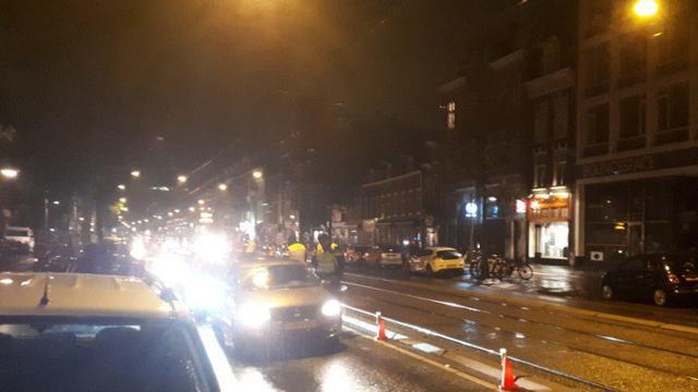 12 automobilisten en 49 fietsers beboet bij politiecontrole op Overtoom