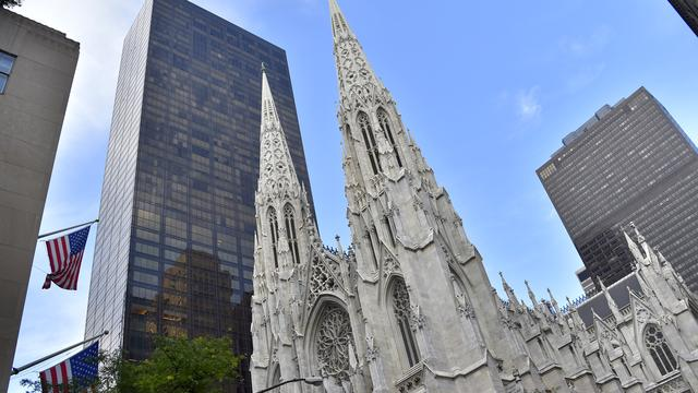 Man met jerrycans benzine opgepakt in St. Patrick's Cathedral New York