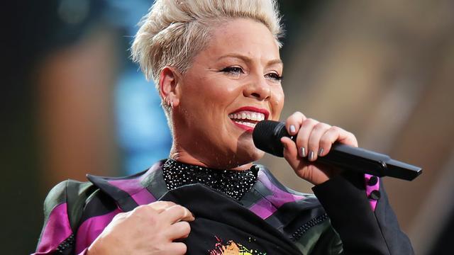 Fan van Pink krijgt weeën tijdens concert van zangeres