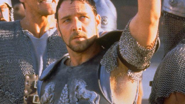 Gladiator-harnas van Russell Crowe levert 80.000 euro op