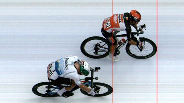 Het verschil tussen Caleb Ewan en Giacomo Nizzolla op de meet.