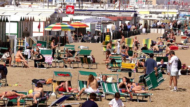 Tien gewonden na wervelstorm op strand nabij Rome