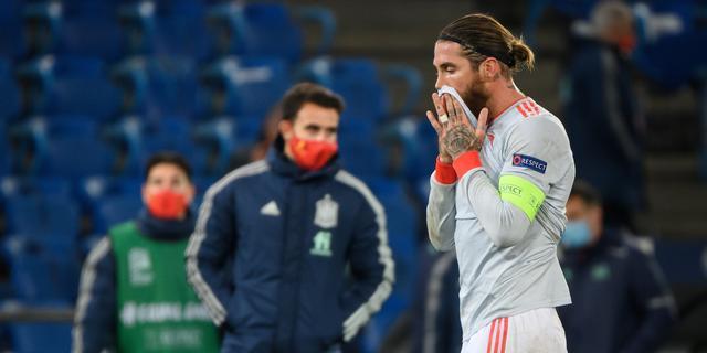 Ramos mist twee penalty's bij Spanje: 'Maar kritiek op hem zou oneerlijk zijn'