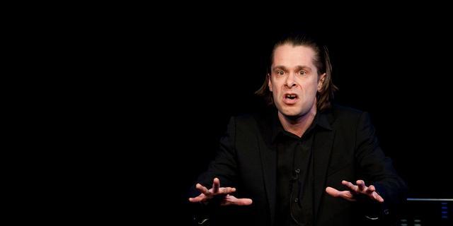 Hans Teeuwen weigert op te treden zolang coronapaspoort verplicht is