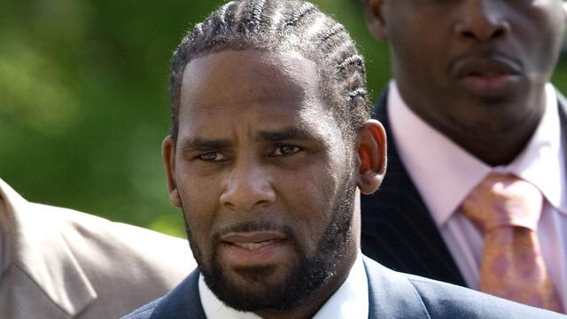 Drie mannen aangehouden voor bedreigen getuigen in misbruikzaak R. Kelly