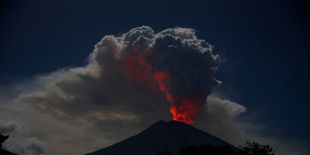 Vliegveld Bali gesloten vanwege vulkanische as na uitbarsting