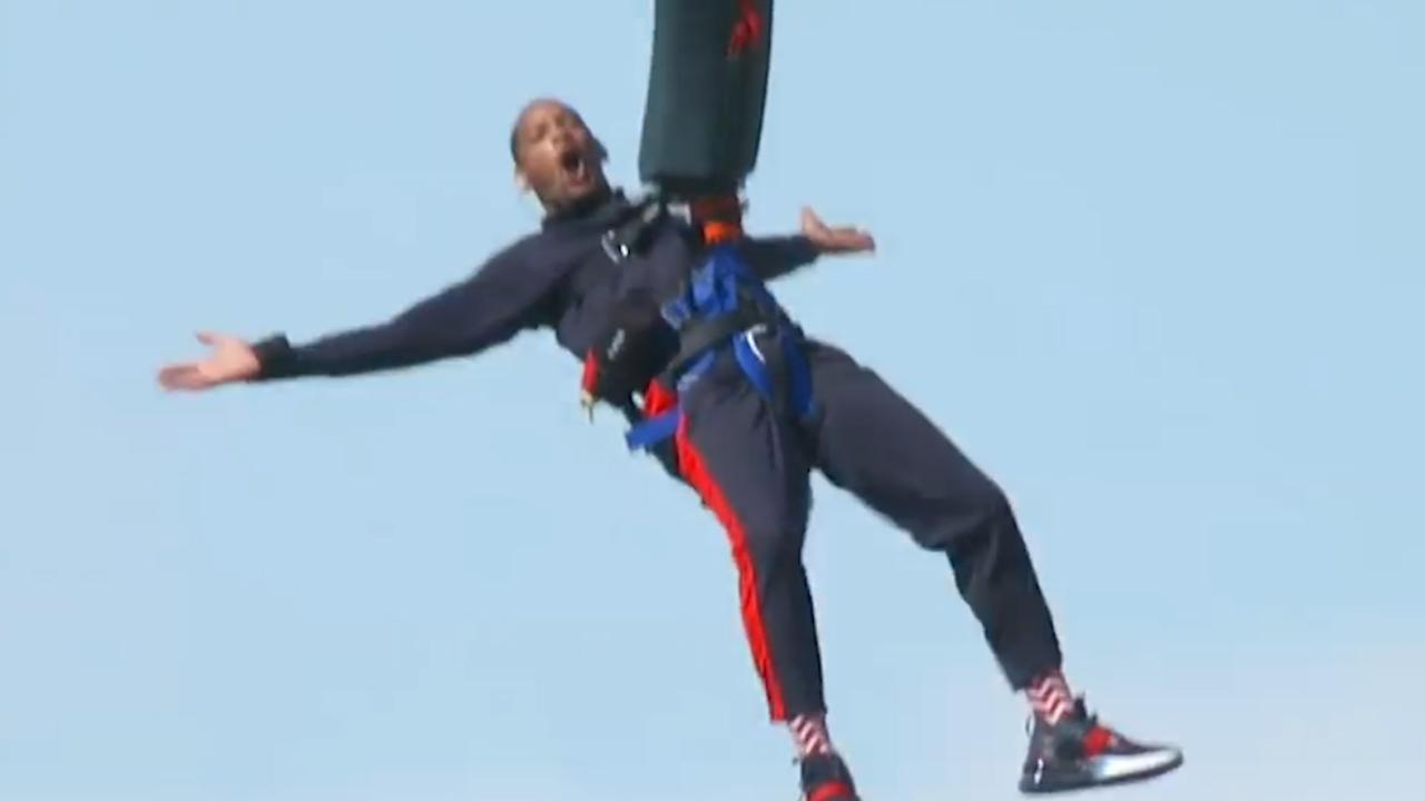 Will Smith bungeejumpt uit helikopter boven Grand Canyon