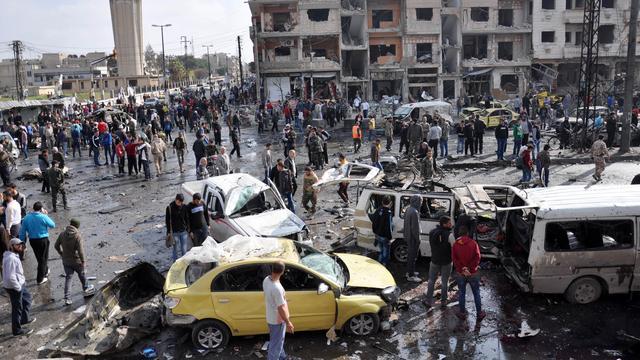 Tientallen doden na dubbele bomaanslag in Syrische stad Homs