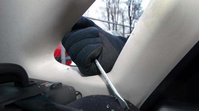 Airbags en navigatie vaker gestolen bij auto-inbraak