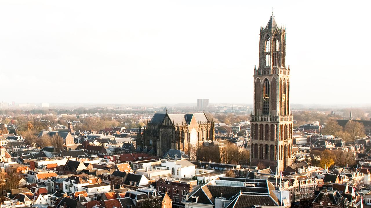 Domtoren in Utrecht speelt Purple rain