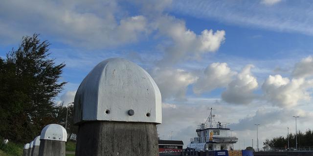Bruggen en sluizen in Kanaal door Walcheren weer vaker open