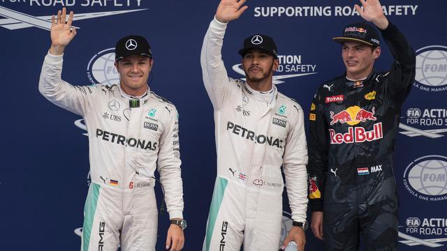Verstappen denkt dat hij het Mercedes lastig kan maken in GP Maleisië