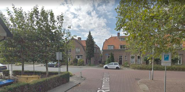 Fietser en scooterrijder botsen op Van de Spiegelstraat in Goes