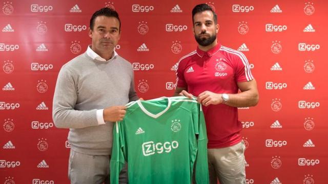 Transfervrije doelman Lamprou tekent voor een jaar bij Ajax
