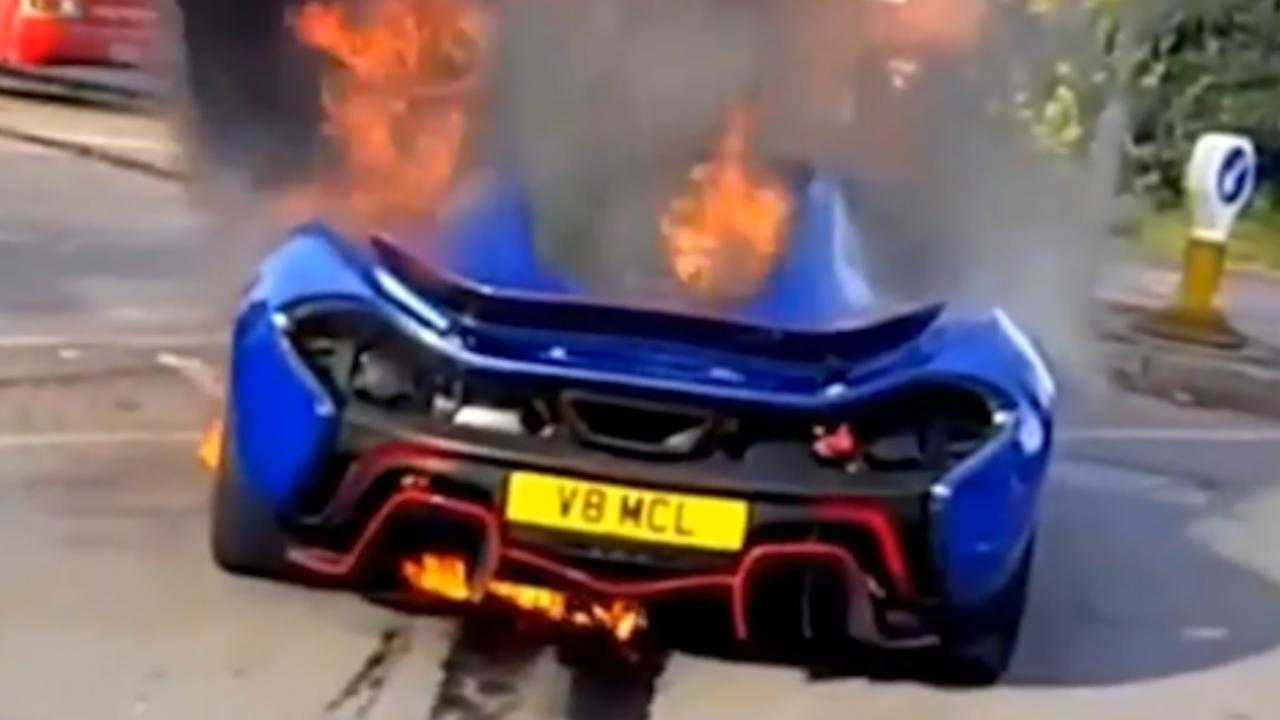 Sportwagen McLaren in brand in Londen