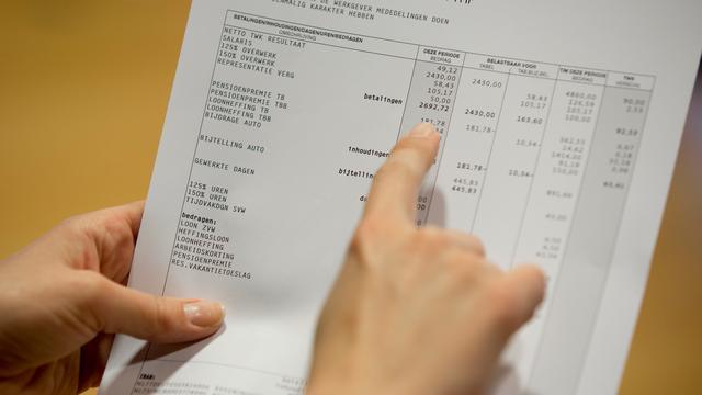 Hogere inkomens krijgen meer loon in 2018, lagere inkomens leveren in