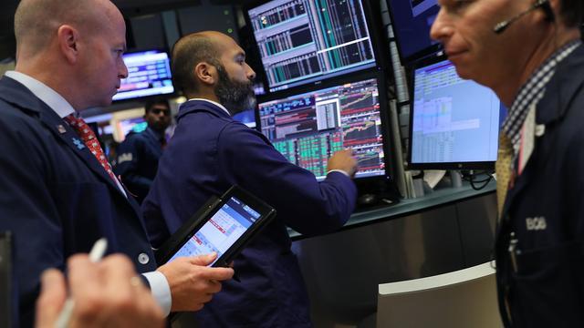 Dow Jones kent met verlies van 4,6 procent grootste daling sinds 2011