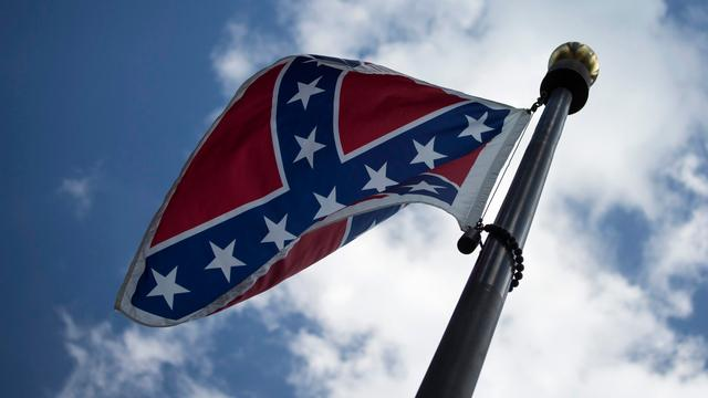 South Carolina laat omstreden vlag weghalen