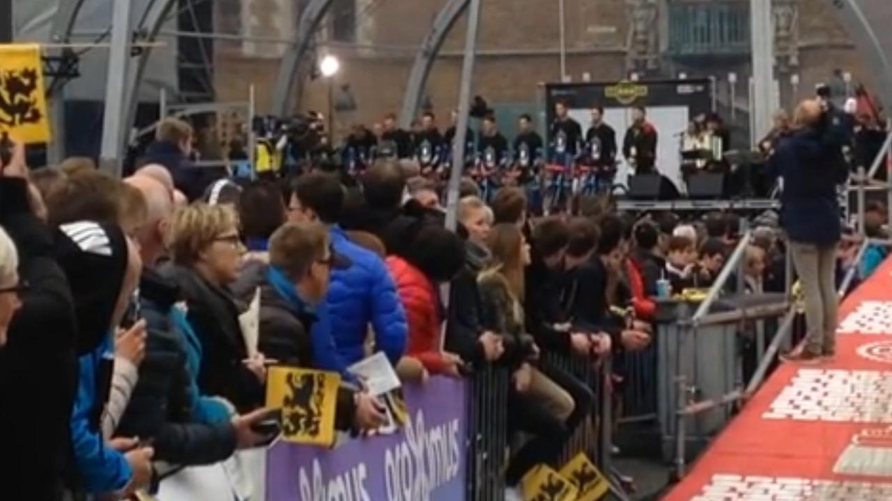 Markt Brugge herdenkt Demoitié voor start Ronde van Vlaanderen