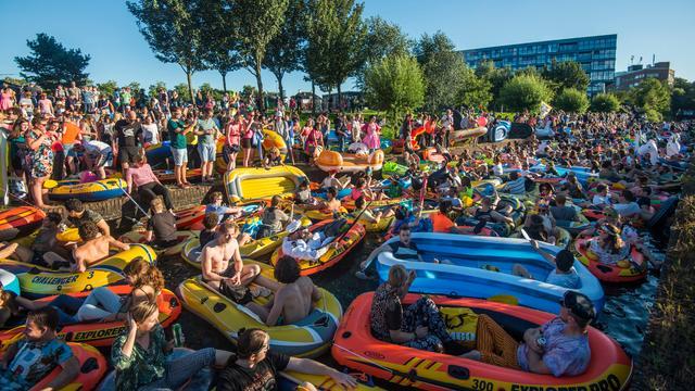 Foto's: Honderden deelnemers Rubberboot Missie Utrecht