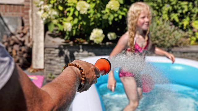 Enorme vraag naar zwembadjes door hitte: verkoop verzevenvoudigd