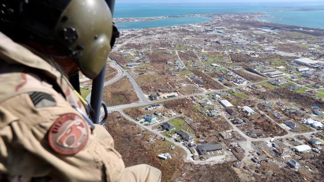 Eerste Nederlandse militairen arriveren op Bahama's voor noodhulp