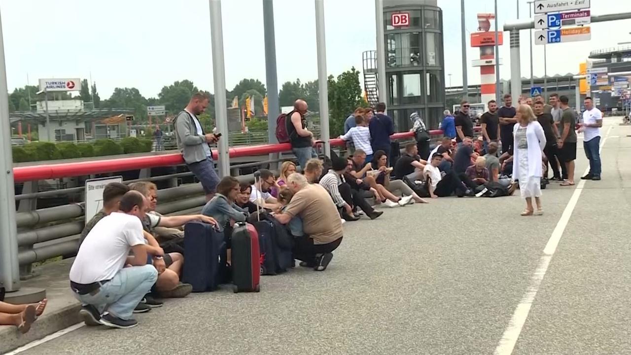 Reizigers gestrand door stroomstoring Hamburg Airport