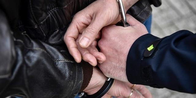 Agent raakt gewond bij aanhouding van slapende man in Westerpark