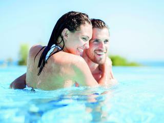 Ook al blijft het percentage mensen dat trouwt dalen, honeymoonvakanties zijn in trek.